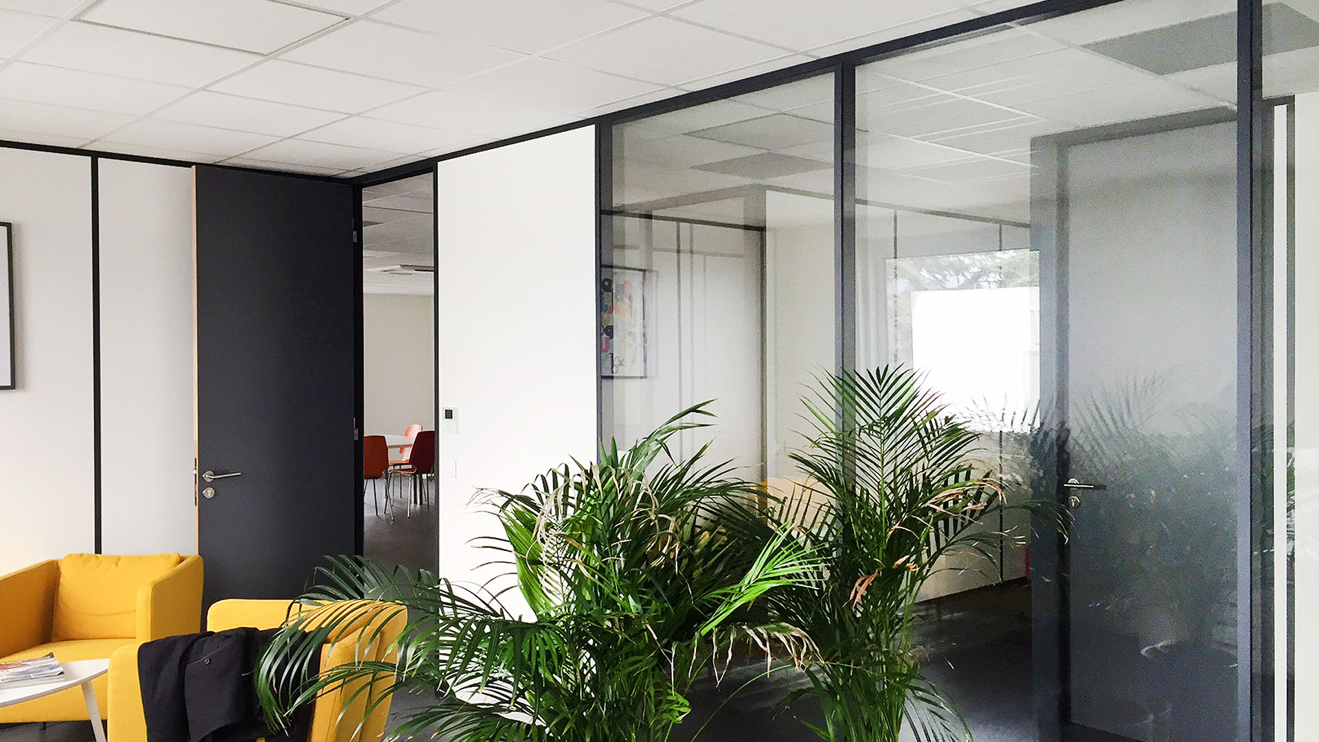 Bureaux et intérieur du bâtiment STONEHEDGE® ALLIANCE+ DARDILLY